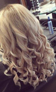 Curly-hair-at-aberdeenshire-hair-salon